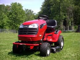 The Lt1000 Lawn Tractor Its Features Accessories And Where To >> The Lt2000 Lawn Tractor Its Features Accessories And Where To